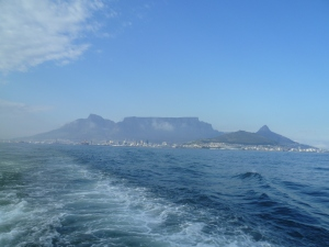 Cape Town and the ever dominering Table Mountain from the ferry to Robben Island